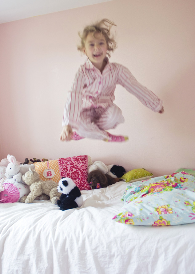 Girl-jumping-on-bed1
